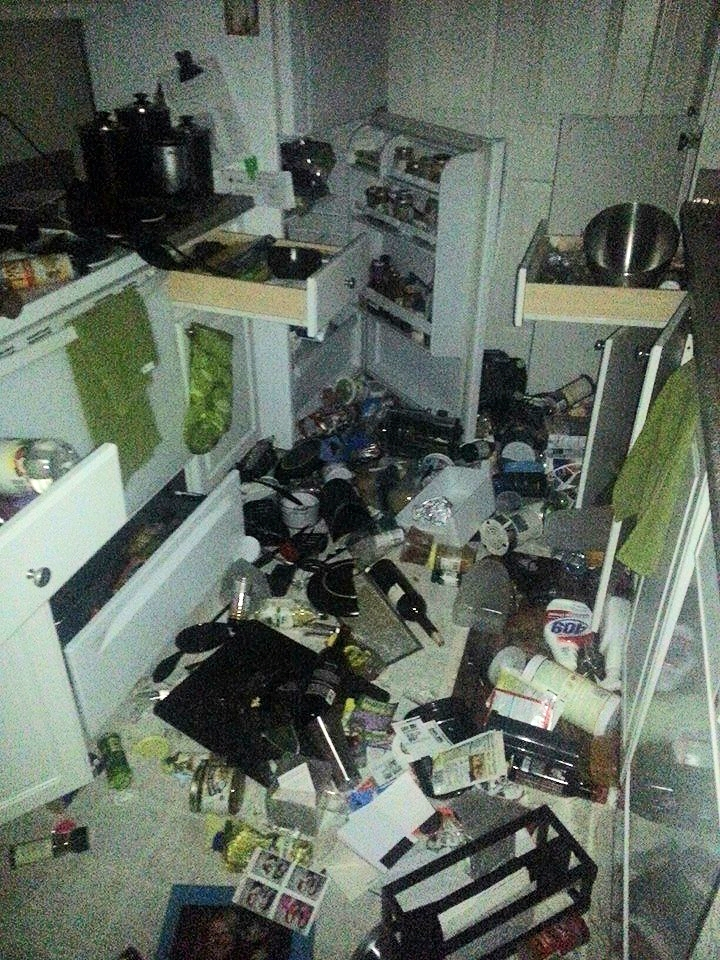 earthquake kitchen