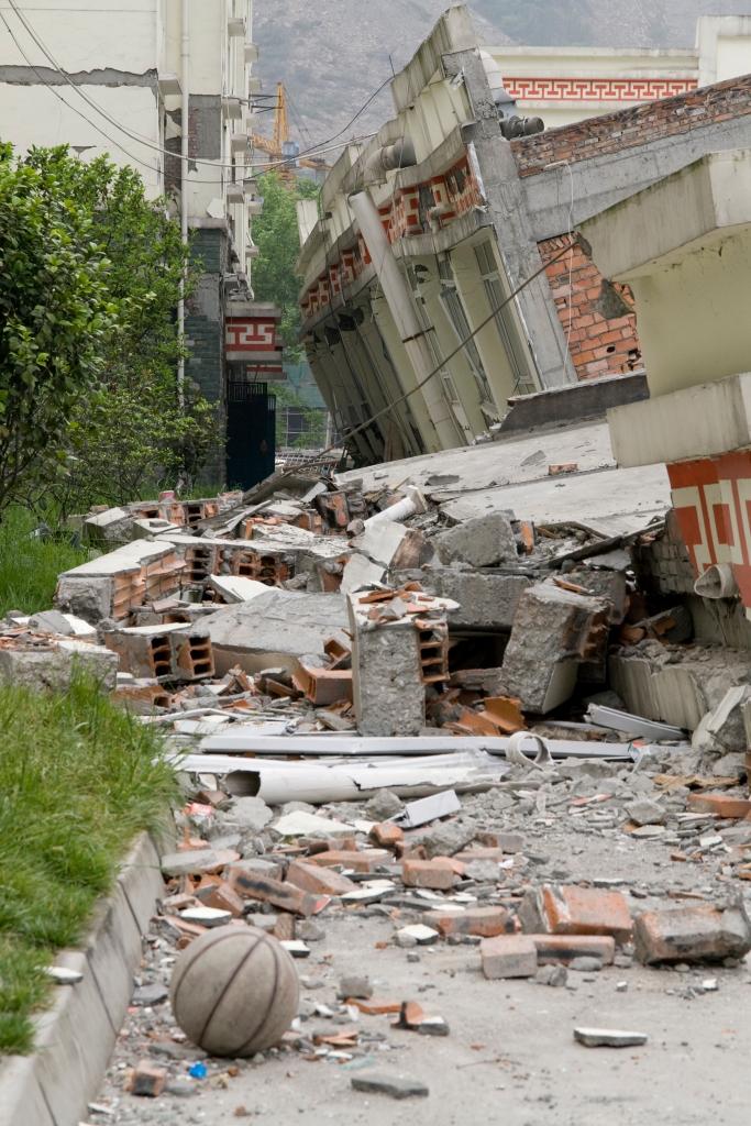 iStock_earthquakedamage